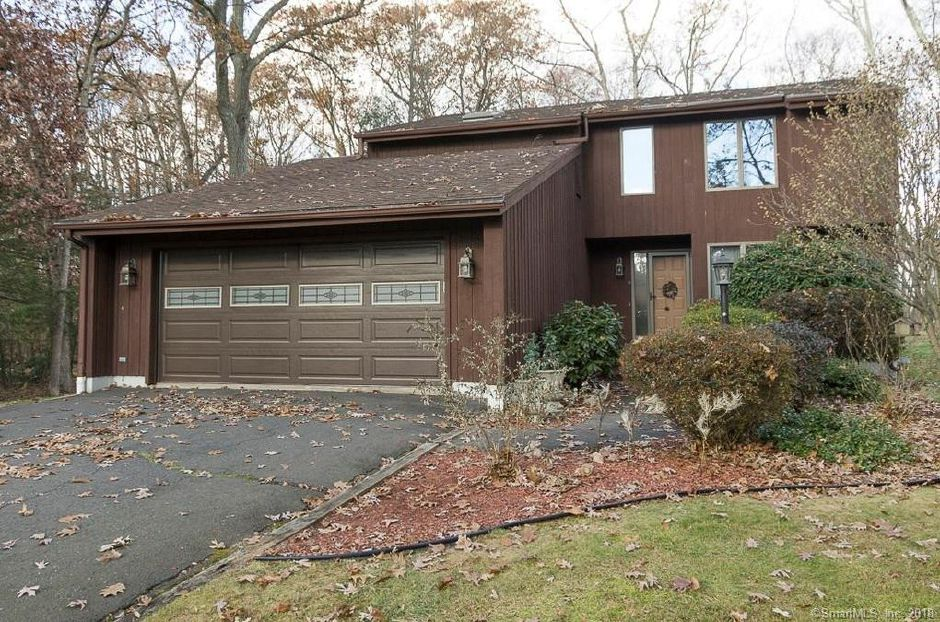 Joseph Laskey and Tracy Zagata to Benjamin Brodeaur and Nicole Brodeaur, 185 Wild Oak Drive, $372,000.