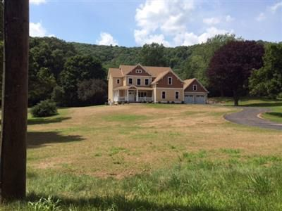 James P. and Theresa J. Smits to Andrew P. and Margaret Thayer, 575 Mountain Road, $585,000.