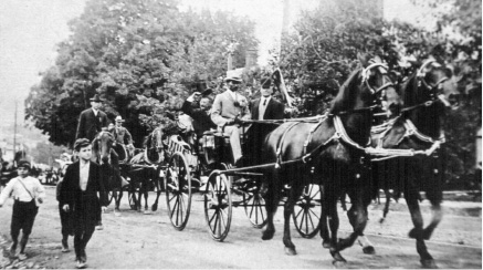 President Theodore Roosevelt rides through Meriden in an open carriage on Aug. 22, 1902.| Courtesy of Richard J. McBride