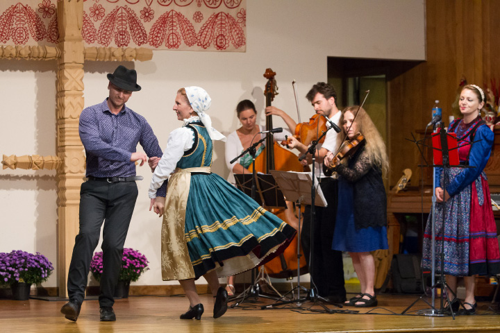 Groups from New York and Boston collaborated to present traditional Hungarian folk music and dancing Sunday during the Hungarian Festival at the Hungarian Community Club in Wallingford Sep. 18, 2016 | Justin Weekes / For the Record-Journal