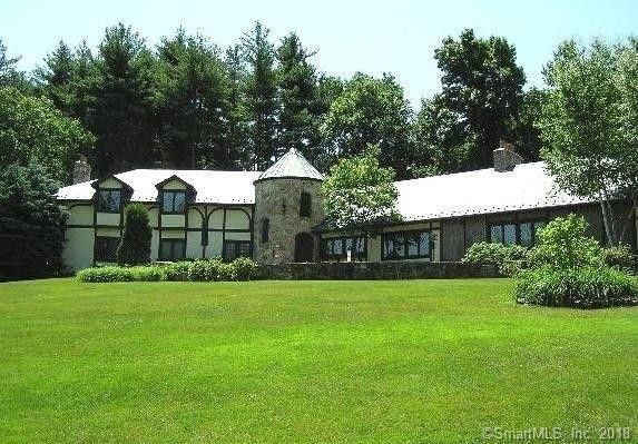 Michael P. Dirocco Est and Kathleen a. Dirocco to Robbin E. Nicoletti, 10 Mountain Brook Drive, $500,000.