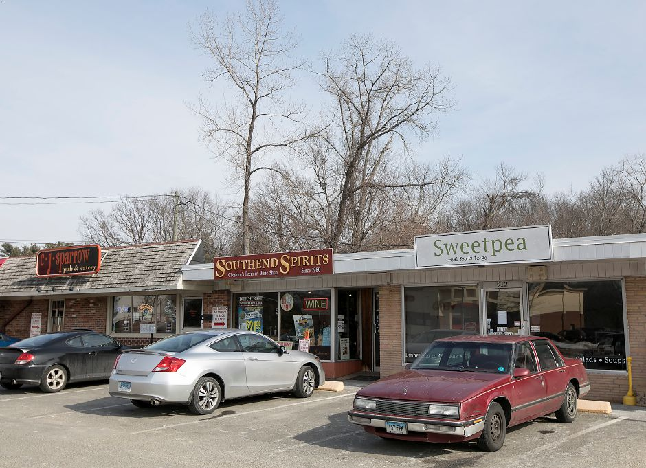 Sweetpea restaurant, right, is closed at 912 S. Main St. in Cheshire, Thursday, Feb. 1, 2018. | Dave Zajac, Record-Journal