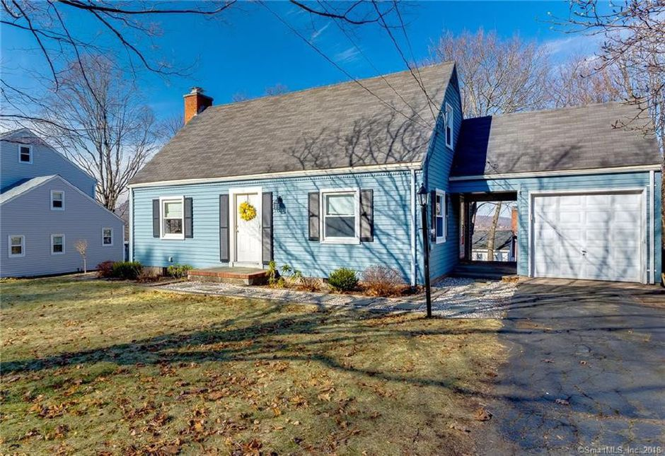 Jennifer Silvia and Jennifer Carras to Luis Almonte and Marie Gosselin-Tamsin, 145 Highland Ave., $170,000.