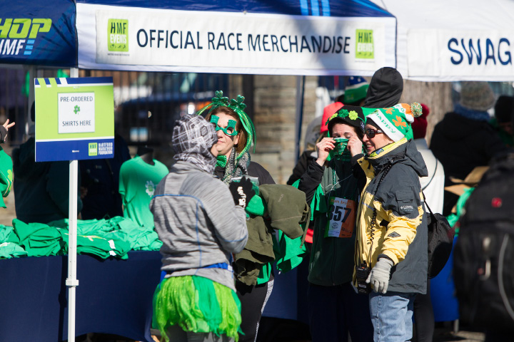 Runners bundle up Saturday for the O