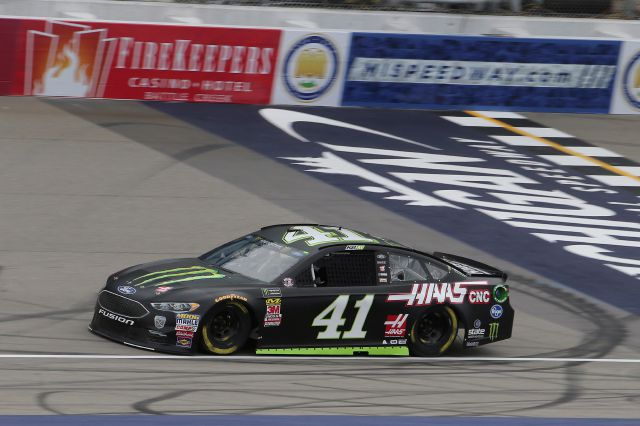 Kurt Busch wins the pole position for Sunday