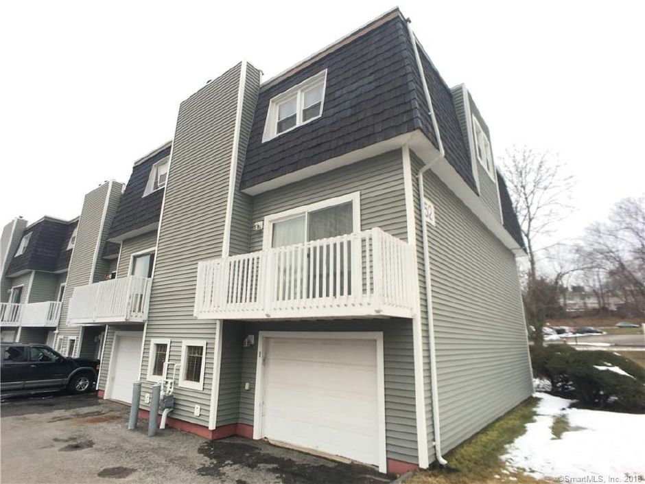 Lisa Piscitelli to Laura Rodino and Patrick Rodino, 52 Meetinghouse Village Unit 1, $97,000.