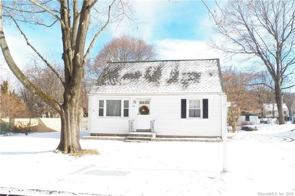 Mary Ann Ruede EST to Eva Torres, 114 Mildred Road, $140,000.