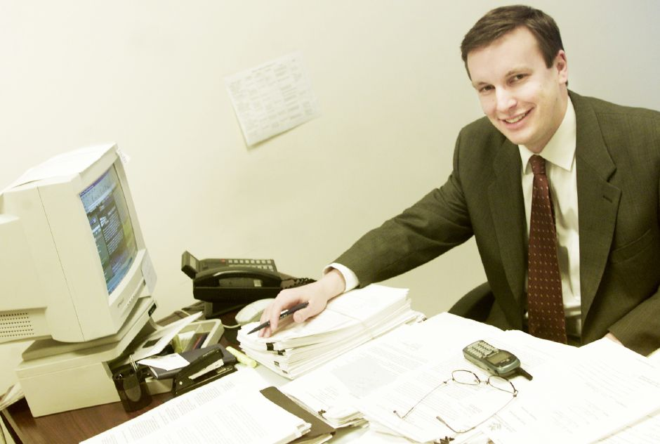 Chris Murphy at his desk in Hartford. | 2003.