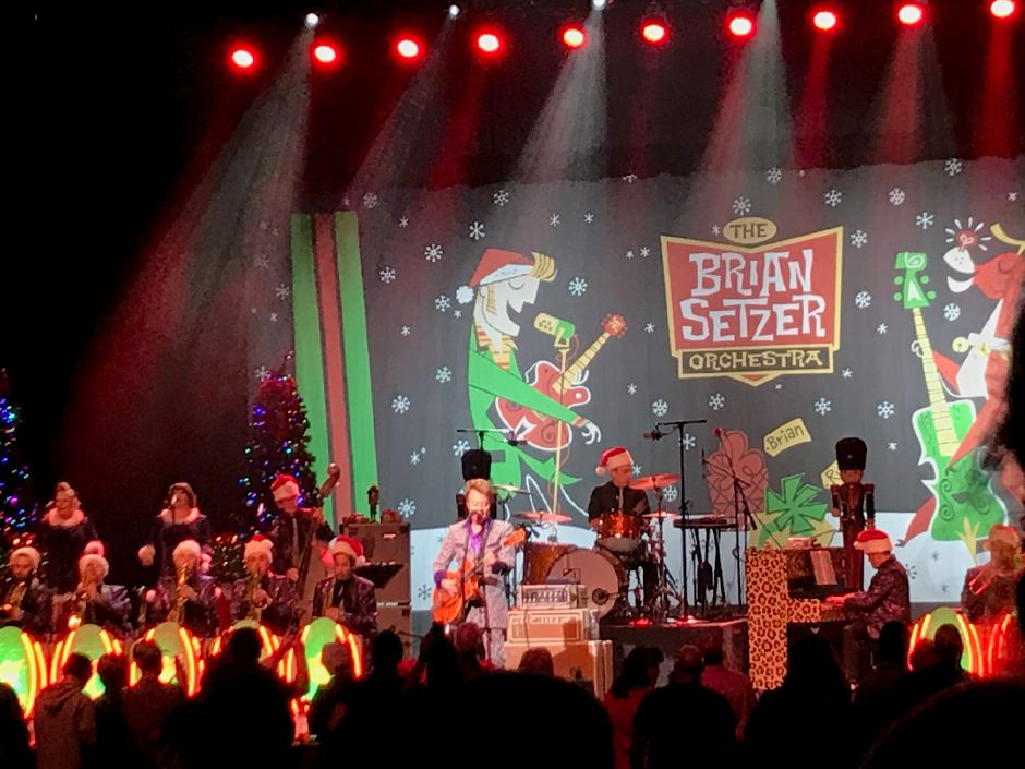 Brian Setzer Orchestra gets Foxwoods Rockin\' to the sounds of Christmas