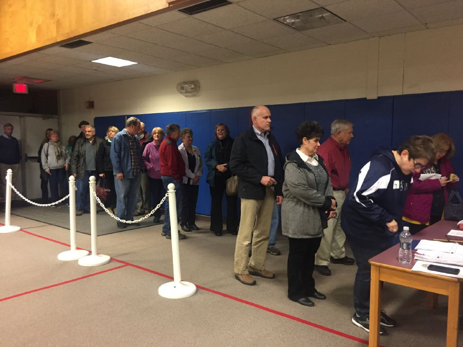 FILE – Two hundred Durham residents at a special town meeting at the former Korn Elementary School on Monday, Oct. 29. A vote passed for the acquisition and renovations of Korn School into a community center to go to referendum on Dec. 4 | Bailey Wright, Record-Journal