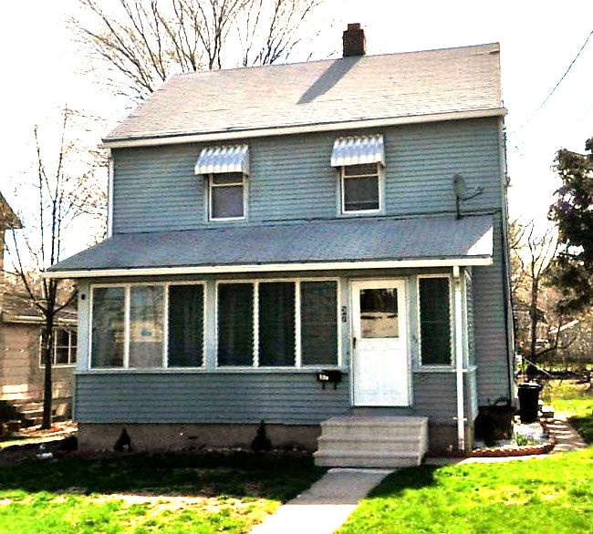 Bjorn I. Sansoucie and Preston R. Sansoucie to Amanda Strom and Ralph S. Strom, 64 Murray St., $157,500.