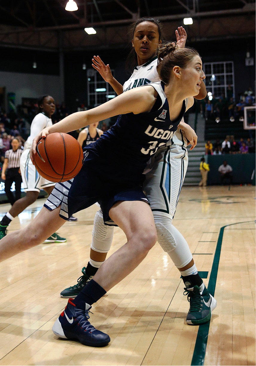 0d9e10521bf1 Connecticut guard forward Katie Lou Samuelson (33) drives to the basket  against Tulane