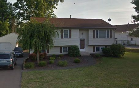 Joan Sheehan to Charlotte Slayton and Eric Slayton, 8 Circle Drive, $264,900.