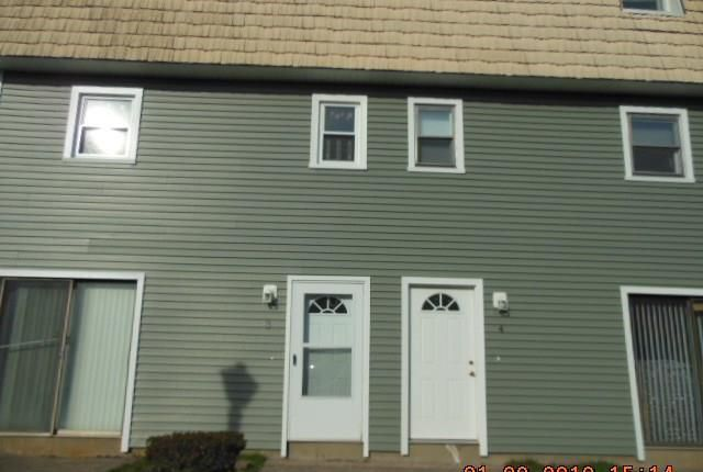 Daniel Mullins to Just the Way You Are LLC, 54 Meetinghouse Village Unit 3, $60,000.