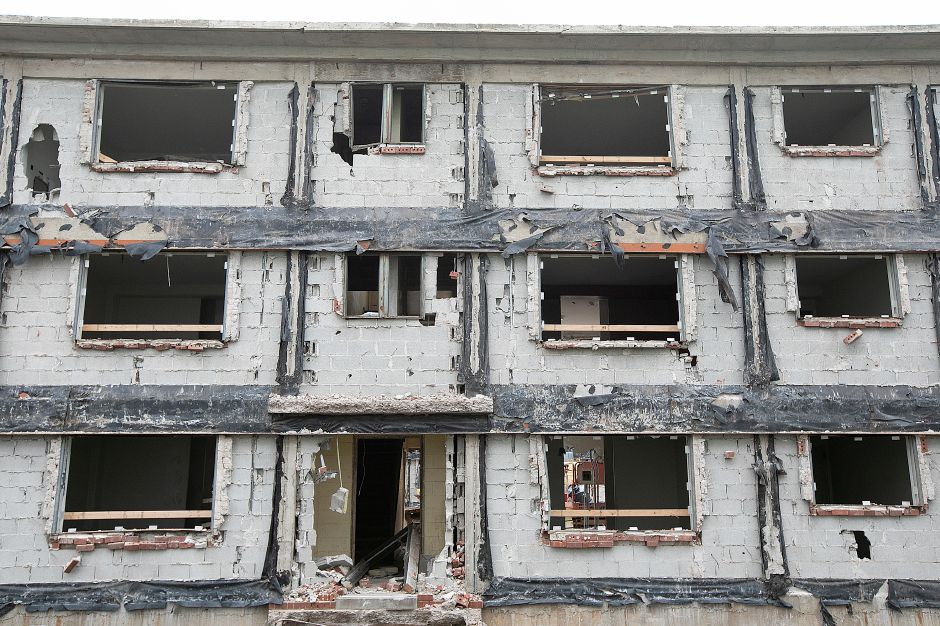 Windows removed as demolition continues on the former Mills Memorial Apartments in Meriden, Monday, Sept. 24, 2018. Dave Zajac, Record-Journal