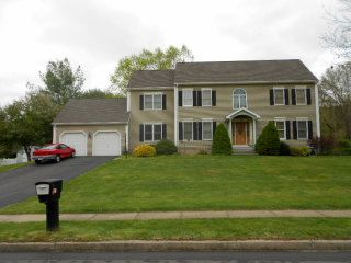 Mohammad Emamian and Mahnaz Emamian to John Roth and Jennifer Roth, 12 N. Pond Road, $470,000.