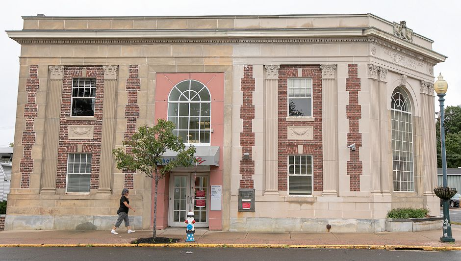 Bank of America at 100 Center St. in Wallingford, Tuesday, Sept. 18, 2018. Bank of America has closed the branch and plans to sell the downtown building. Dave Zajac, Record-Journal