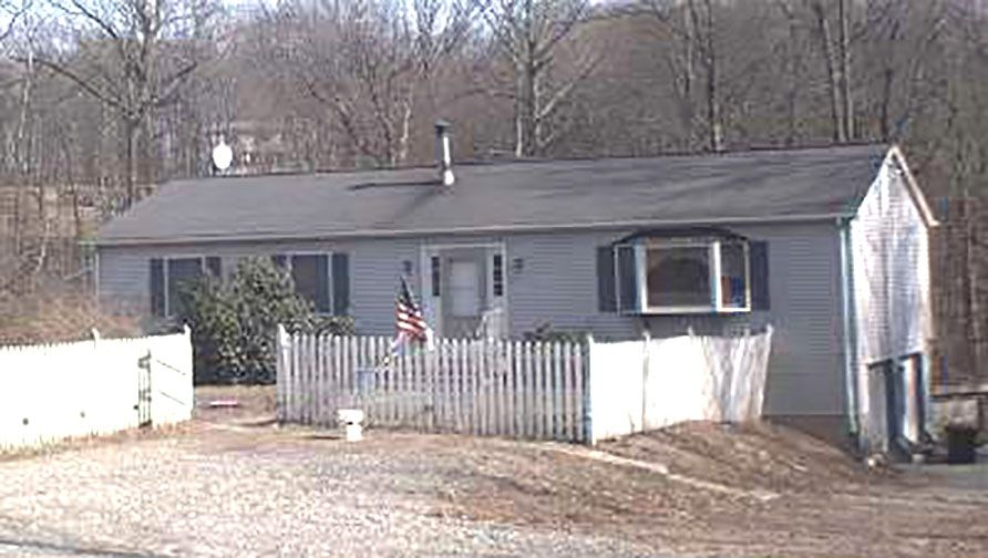 Aruna K. Reddi to Michael T. Semeraro, 1050 Summit Road, $215,000.