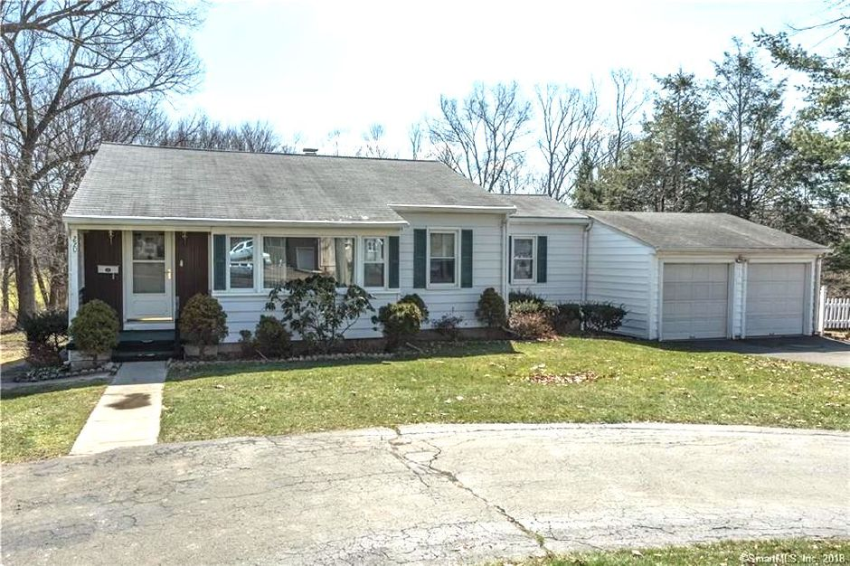 Joesph Wolcheski to Tyler Cash and Bree Mednick, 220 Woodhouse Ave., $220,000.