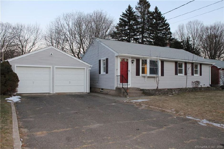 Dornelas Home Improvement LLC to Christopher Esposito and Sabrina Marino, 75 Robindale Drive, $191,000.