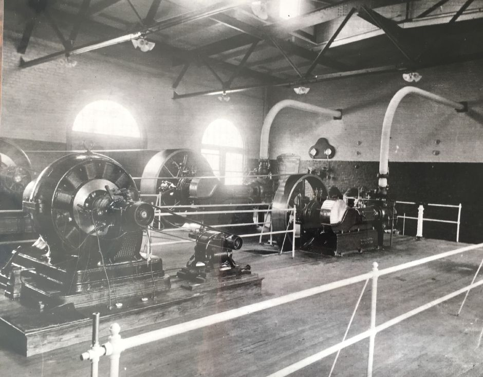 Steam pipes and turbines inside the Borough of Wallingford Electric Works electricity generating plant, early 1900s. | Courtesy of Wallingford Historical Society