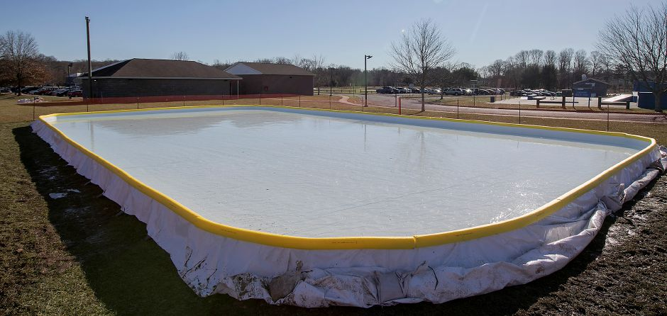The public ice skating rink at Bartlem Park in Cheshire, Thursday, Dec. 21, 2017. Dave Zajac, Record-Journal