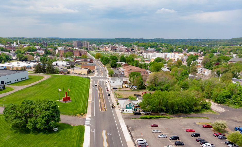 Look down Pratt Street towards the Meriden Green May 17, 2019. | Richie Rathsack, Record-Journal