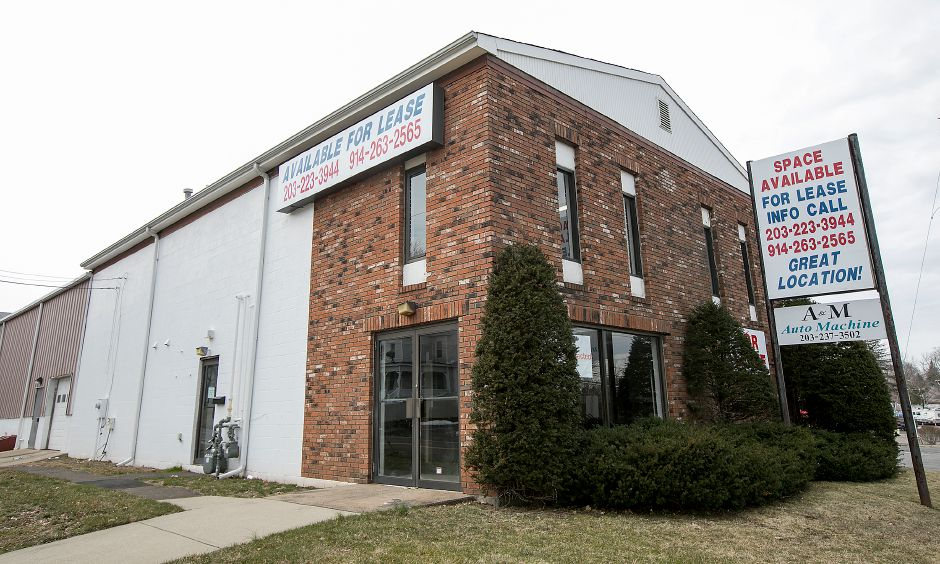 Proposed location for a marijuana dispensary at 711 E. Main St. in Meriden, Wednesday, March 28, 2018. Dave Zajac, Record-Journal