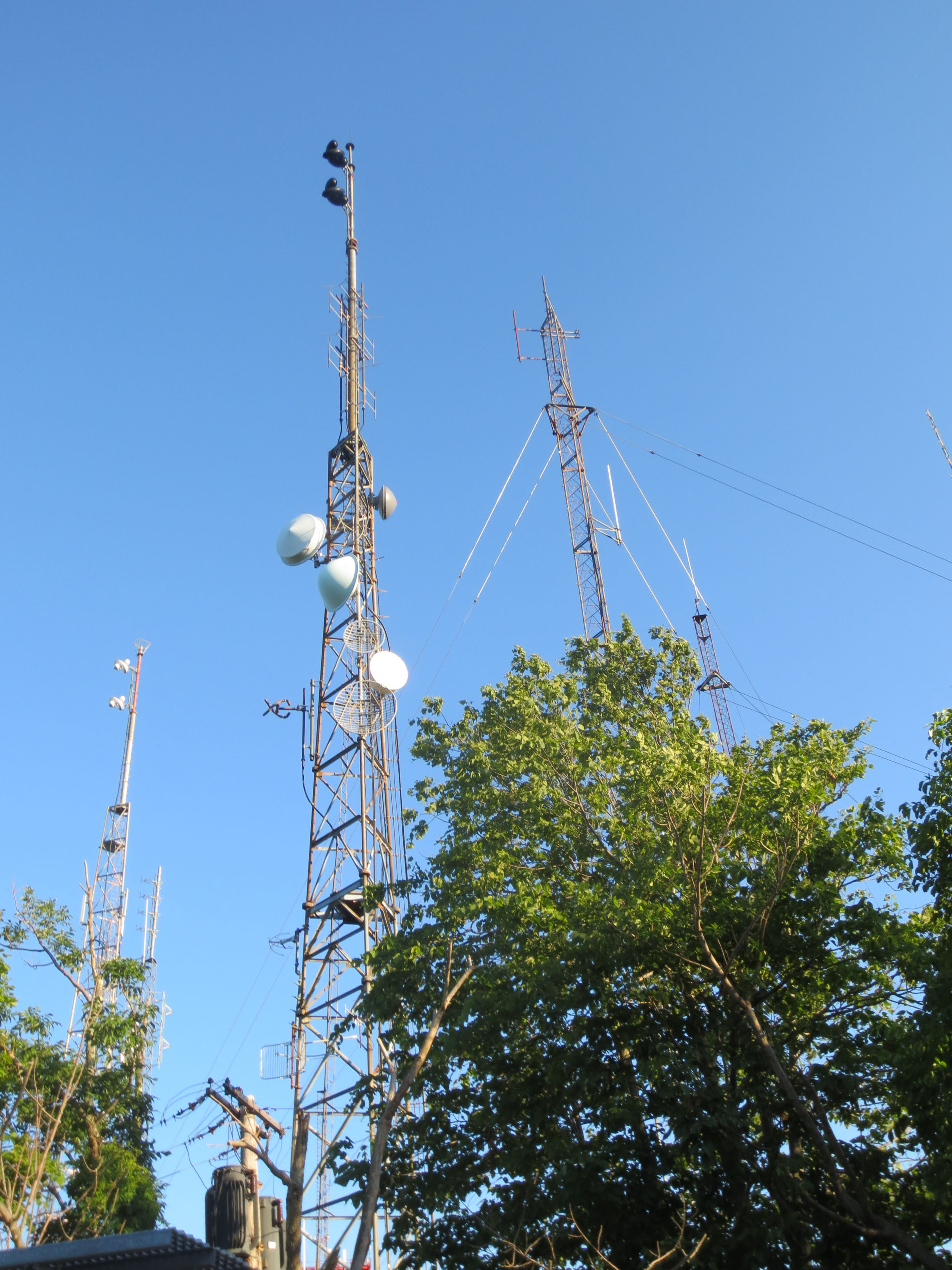 Radio transmitter towers on Meriden's West Peak