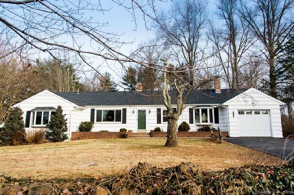 Robert Eissler to Danielle Tammaro and Curtis Mccauley, 646 Yalesville Road, $260,000.