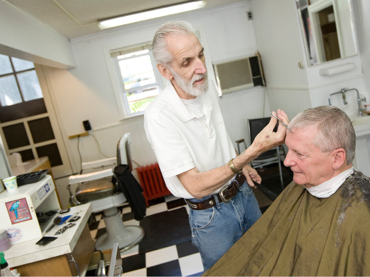Rick'S Barber Shop >> Meriden Rick Jardine Longtime Owner Of Rick S Barbershop On West Main