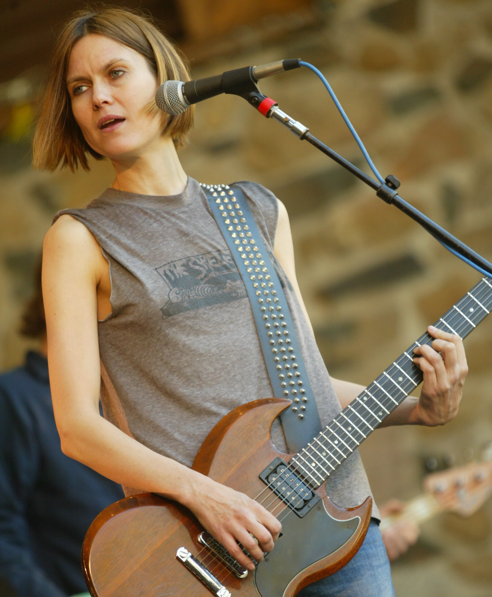 Artist Juliana Hatfield performs with her band at the Hubbard Park bandshell during the 2005 Daffodil Festival in Meriden Sunday afternoon May 1, 2005. (dave zajac photo)