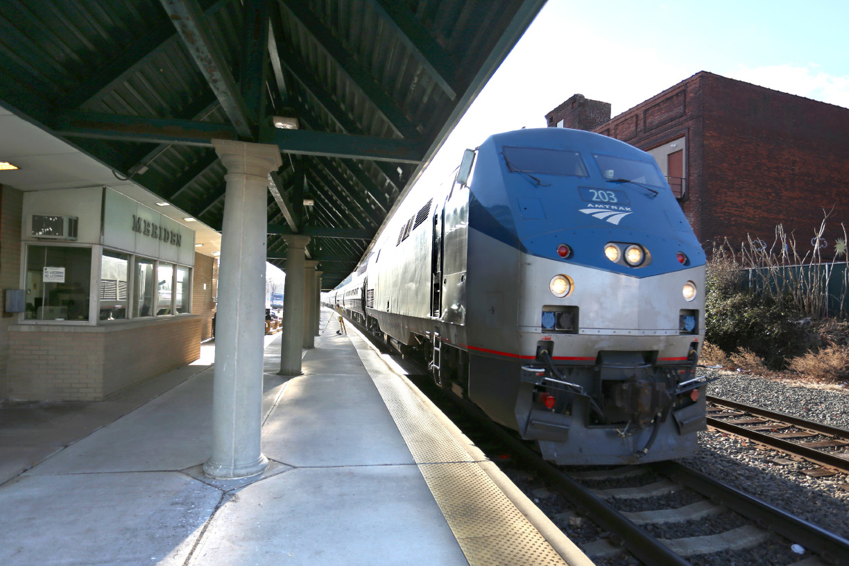 An Amtrak train pulls into the Meriden station on Dec. 31, 2014. | File photo / Record-Journal