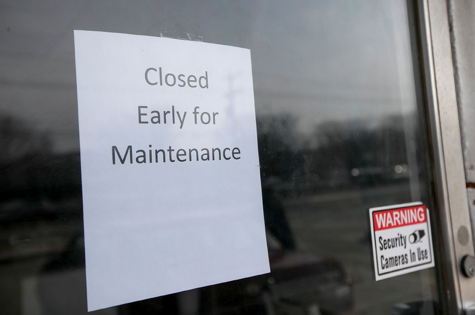 A sign posted on the front door of Sweetpea restaurant at 912 S. Main St. in Cheshire, Thursday, Feb. 1, 2018. The business has closed. | Dave Zajac, Record-Journal