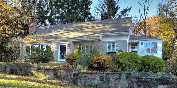 Lawrence Guarnieri and Marsha Guarnieri to Benjamin M. Carlson and Stephanie Carlson, 178 Harrison Road, $362,400.