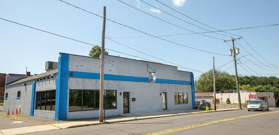 A Prohibition era-themed restaurant called The Manhattan is slated for the former 3D Restaurant and Bar location at 16 Eden Ave. in Southington, Fri., August 9, 2019. Dave Zajac, Record-Journal