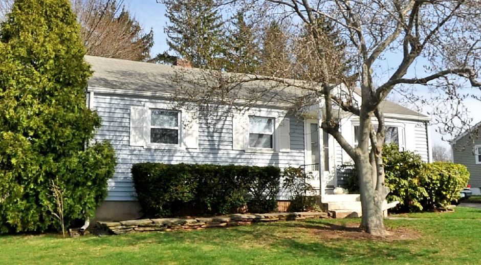 Laura Begley to Maureen Spizzoucco, Michael O'Brien, and Frankk Spizzoucco, 145 Sagamore Road, $89,000.