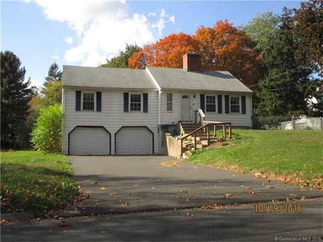 Carl Dimario and Kathleen Dimario to Michelle Bonini and Jeffrey Heintz, 61 Jones Road, $310,000.