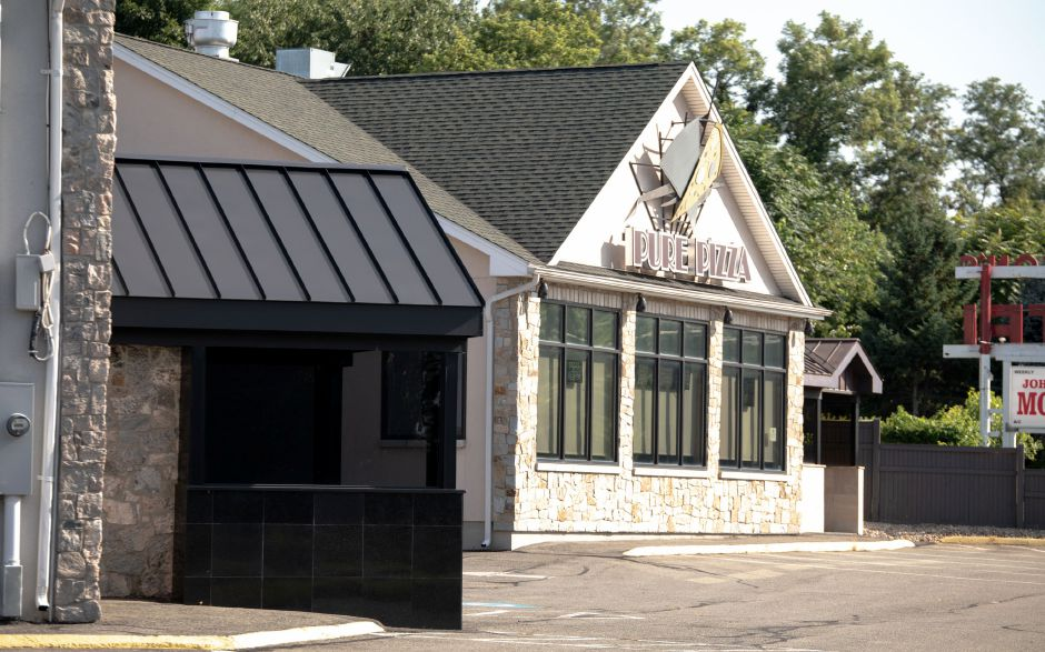 The owners of the former adult club Centerfolds are looking to reopen the establishment as a restaurant, according to town documents. The Berlin Turnpike business closed in early 2018. | Devin Leith-Yessian/Berlin Citizen