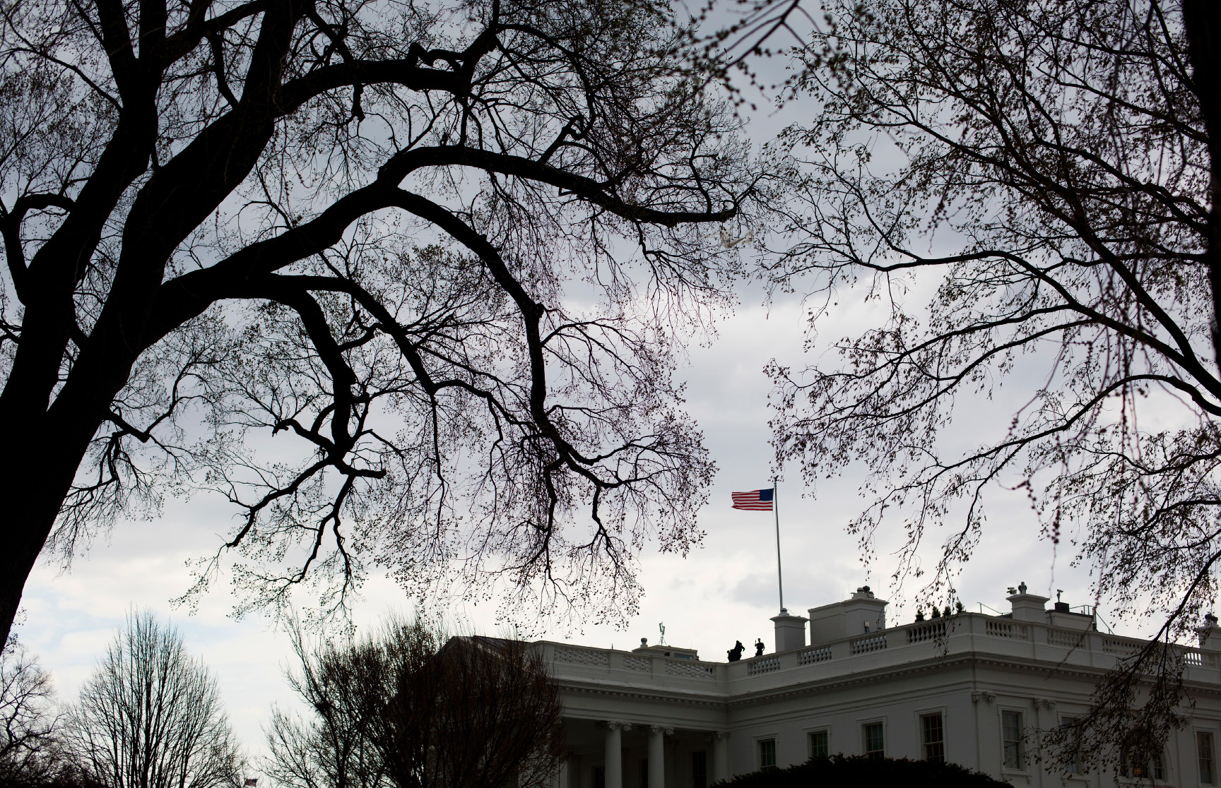 Storm clouds begin to form over the White House in Washington Wednesday, March 1, 2017. (AP Photo/Pablo Martinez Monsivais)