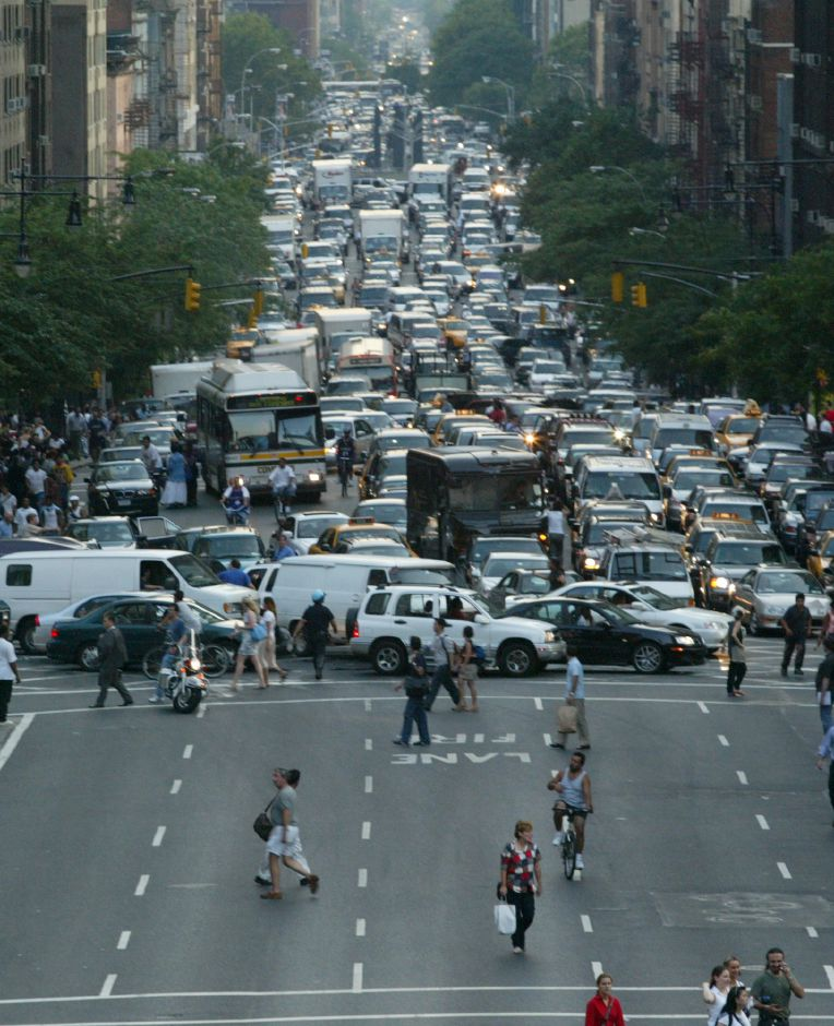 Traffic is blocked along First Avenue in Manhattan by crosstown traffic after a massive blackout knocked out power in New York, Thursday, Aug. 14, 2003. (AP Photo/David karp)
