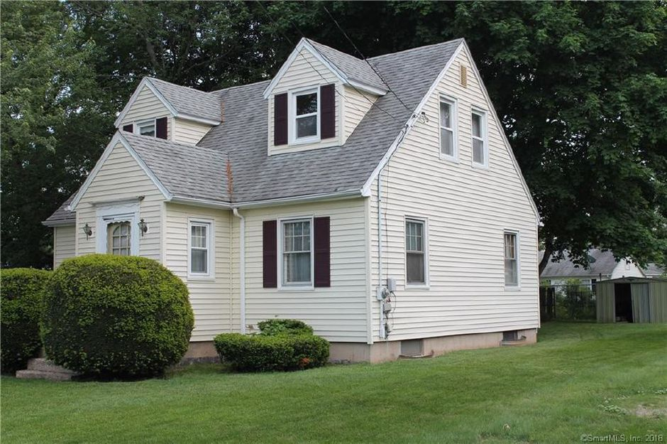 Louise R. Leonard to William M. Stakosky and Sherry Y. Stankoksky, 18 Farnes Ave., $138,000.