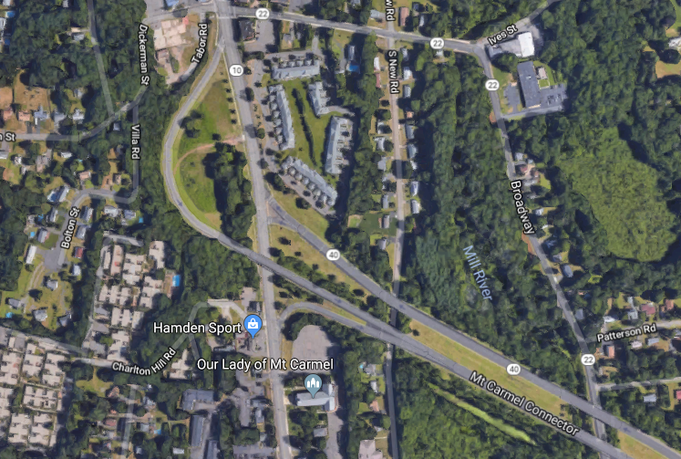 Three were killed when a vehicle exiting Route 40 in Hamden collided with a tree off of Whitney Ave on Sunday, July 22, 2018. | Image courtesy of Google.