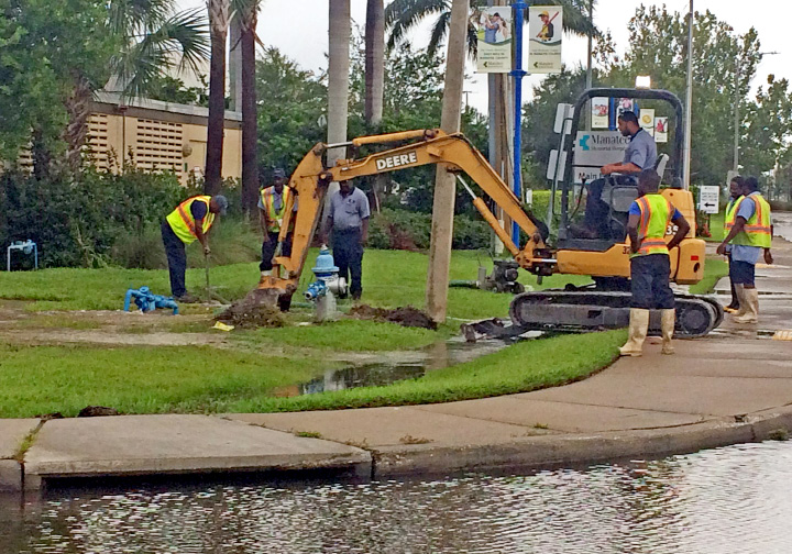 Clean-up work gets underway Monday morning in Bradenton, Fla., after  Hurricane Irma hit the area the previous night. | Ellyn Santiago, special to The Westerly Sun