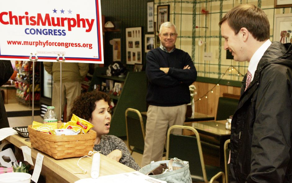 Chris Murphy chats with Deanna Porter at Fischer