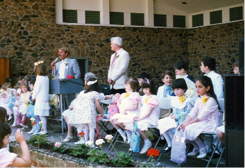 Contestants wait to hear who will be Little Miss Daffodil for the 1987 Daffodil Festival. | Courtesy of Daffodil Festival Committee