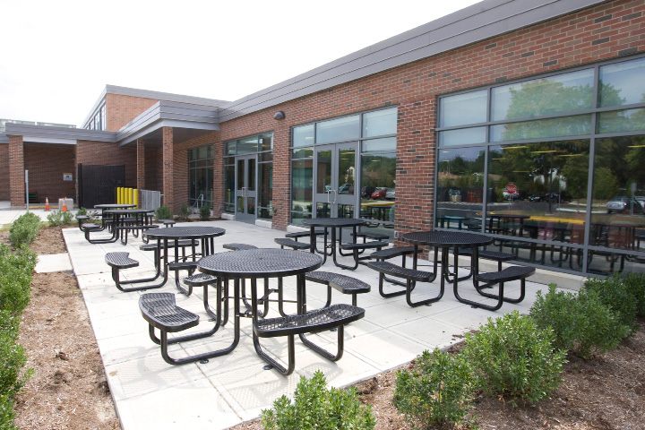 FILE PHOTO: An outdoor dining area at Kennedy Middle School in Southington, Friday, September 4, 2015. |  Dave Zajac / Record-Journal