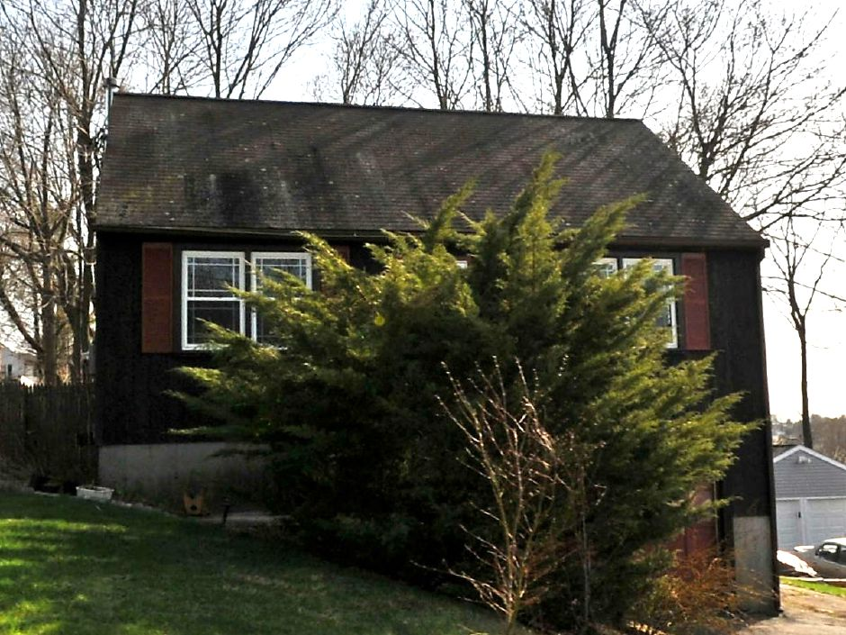 Elizabeth V. Lebar to Nancy Kowalski, 81 Huber Ave., $130,000.