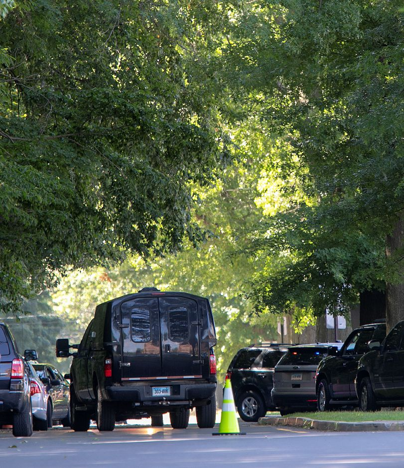 Local and state police investigate after a suspicious package was found outside Israel Putnam Elementary School Thursday morning, Aug. 30, 2018. Dave Zajac, Record-Journal