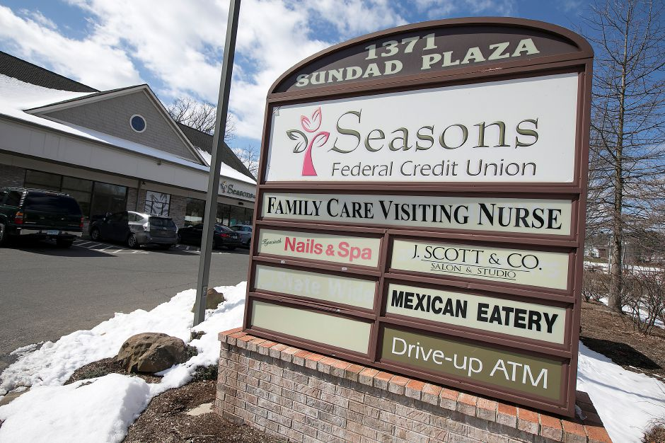 A medical marijuana dispensary has been proposed for one of the units in the Sundad Plaza at 1371 E. Main St. in Meriden, Friday, March 16, 2018. Dave Zajac, Record-Journal